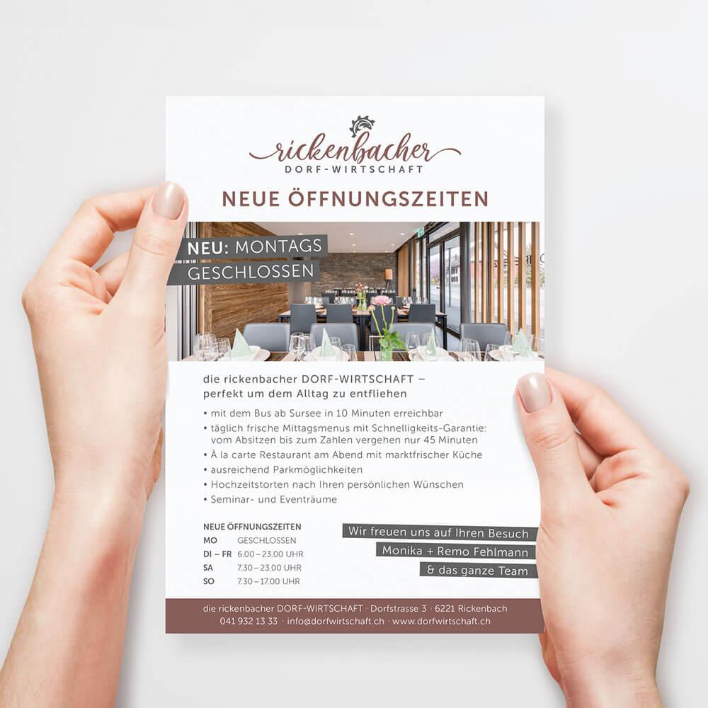 Flyer Öffnungszeiten - Rickenbacher Dorfwirtschaft - Kundenreferenz Bacher PrePress